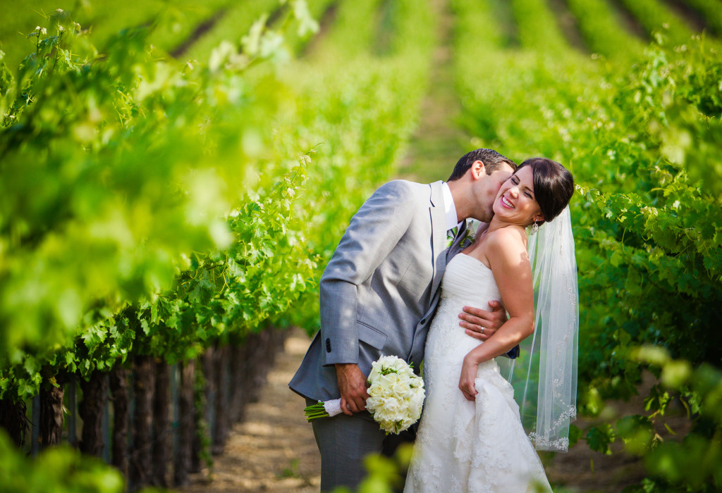 KIsses in the vineyard